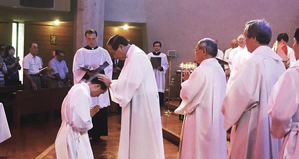 司祭団の按手